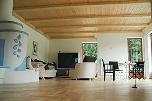 hr Innenausbau geplant und ausgeführt von Holzbau Gschaider GesmbH aus Niederösterreich! Ihr professioneller Innenausbau mit Holz schafft ein natürliches Wohnklima. Je nach Holzart strahlt es Wärme aus, greift es sich gut an oder wirkt Edel.